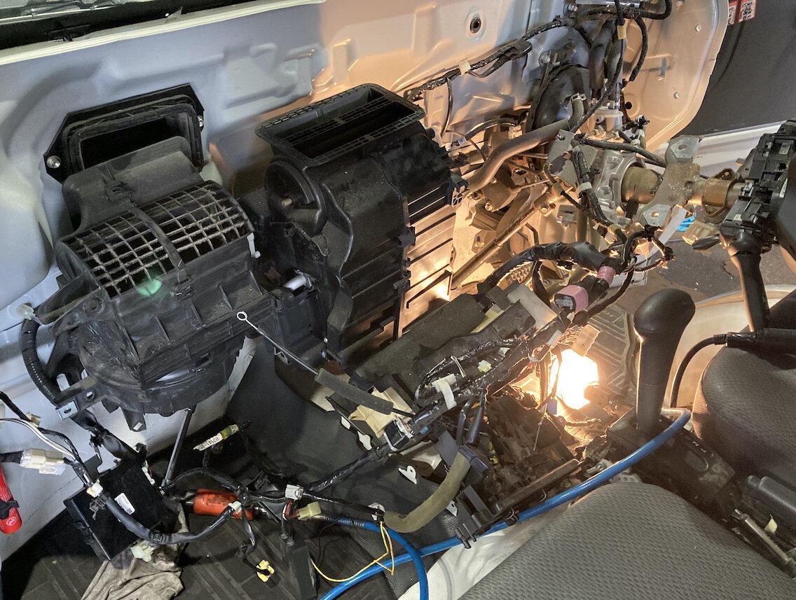 エアコン修理 ハイゼット特装車